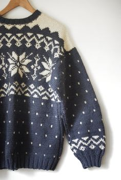 nordic wool sweater | Absolutely love the design! Perfect for winter and the Christmas season!xx