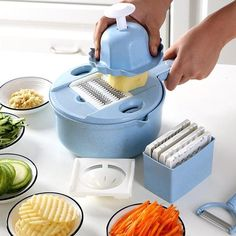 Multi-functional and versatile, this Mandoline Slicer Cutter Chopper and Grater is truly a time-saving, kitchen tool that certainly lives up to its name! Wouldn't it be wonderful to have a reliable kitchen tool on hand that could be used for almost any Cool Kitchen Gadgets, Kitchen Tools, Cool Kitchens, Cuisines Diy, Mandolin Slicer, Grater, Cooking Gadgets, Piece Of Cakes, Food Preparation