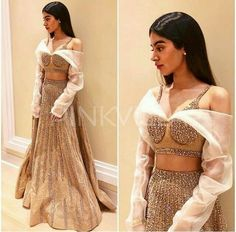 Style File : Sridevi and Khushi Kapoor nail their festive Indian looks Ethnic Outfits, Indian Outfits, Fashion Outfits, Bollywood Dress, Bollywood Fashion, Indian Designer Outfits, Designer Dresses, Best Blouse Designs, Choli Dress