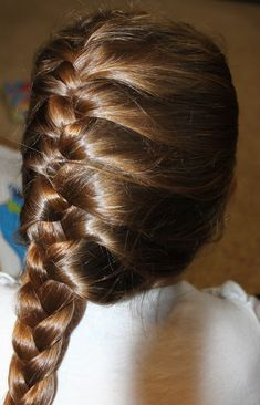 "French plait hairstyle is the most common and easy hairstyle of all. This hairstyle includes the partition of your hairRead More Intricate French Plait Hairstyles"" French Plait Hairstyles, French Braid Ponytail, Side French Braids, Cute Braided Hairstyles, Bob Hairstyles For Thick, Plaits Hairstyles, Down Hairstyles, French Braid Styles, Braids With Weave"