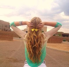 I like this picture, and her hair is just perfect!