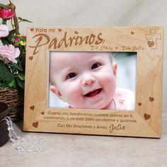 """#CincoDeMayo A mi marco de madera del Padrino. Marco personalizado del Padrino. La selección de un Godparent es una decisión importante que ayuda a la guía la vida de un niño con dios. Honre a su Godparent con un marco personalizado del Padrino con un cuadro de su nuevo ahijado. Nuestro marco de madera personalizado del Padrino mide 8¾"""" x 6¾"""" y lleva a cabo un 3""""½ x 5"""" o foto de 4"""""""