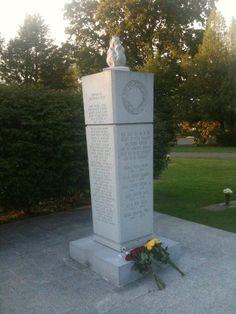 Memorial for the 1970 Marshall University Thundering Herd football plane crash victims.