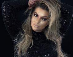 """Tem vídeo novo no blog meu povo!!! Uma maquiagem feita só com iluminadores!!! Um desafio chamado """"Highlighters Challenge"""" que foi muito reproduzidos pelas maquiadoras gringas...Corram lá: http://ift.tt/K6CATG #alicesalazar #makeup #maquiagem #maquillaje #iluminadores #highlights"""