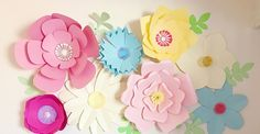 Giant Paper Flower Wall Decor: 16 Steps (with Pictures) Big Paper Flowers, How To Make Paper Flowers, Paper Flower Wall, Flower Wall Decor, Diy Wall Decor, Wall Flowers, Tissue Flowers, Wall Decorations, Paper Vase