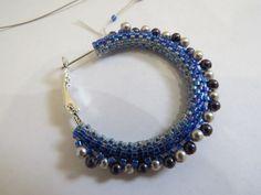 видно Crochet Jewelry Patterns, Beading Patterns, Peyote Patterns, Seed Bead Jewelry, Beaded Jewelry, Seed Beads, Beaded Earrings, Beaded Bracelets, Bead Crochet