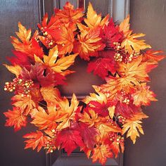 Fall is most likely the ideal time for crafting. A gorgeous fall themed table in an issue of no moment! It is a perfect time to get out and enjoy nature at its best, so don't forget to collect acorn along the way. Easy Fall Wreaths, Diy Fall Wreath, Thanksgiving Wreaths, Thanksgiving Decorations, Fall Decorations, Autumn Crafts, Holiday Crafts, Moose Decor, Shops