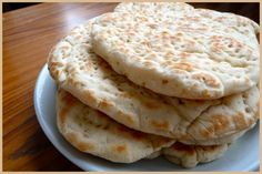 Recette pain polaire : Un pain plat venu du Nord, moelleux et pratique pour les sandwiches ! Naan, Kids Meals, Easy Meals, Yummy World, Bread Bun, Bread Machine Recipes, Bread And Pastries, Our Daily Bread, Food Staples