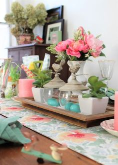 Thrifty Easter Decor and Tablescape Ideas | Dagmar's Home #DIY #homedecor #farmhousstyle #home #decor #DIYhomedecor #Easter #spring #spring #ideas #easy Spring Home Decor, Diy Home Decor, Outdoor Table Settings, Funky Junk Interiors, Do It Yourself Home, Cool Diy Projects, Decorating Your Home, Decorating Ideas, Farmhouse Decor