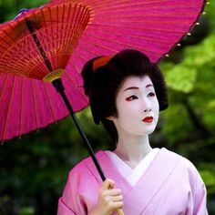 geisha-kai:  Stuning geiko Kyouka of Gion Kobu (now retired) by @tatcha on Instagram