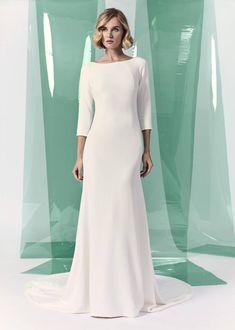 Plain, simple and minimalist wedding dresses #simpleweddingdress #plainweddingdress #minimalistweddingdress