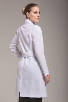 Loja dos produtos Klinik, jalecos exclusivos qualidade premium e design com referências de moda, desenvolvidos pela estilista Karina Kulig. Healthcare Uniforms, Staff Uniforms, Blouse Nylon, Scrubs Outfit, Lab Coats, Medical Scrubs, Nursing Dress, Girl Poses, Nylons