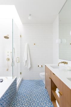 A midcentury ranch house master bath reinvented: LA remodel by Barbara Bestor + DISC Interiors, Laura Joliet photo | Remodelista