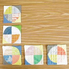 Curvy Coasters Tutorial Curves are generally seen as a more advanced technique when it comes to quilt piecing. Quilts based on a Drunkard's Path block are gorgeous but may be a challenge and big commitment if you've never pieced curves before. Today, I've Quilting For Beginners, Quilting Tips, Quilting Tutorials, Machine Quilting, Quilting Projects, Quilting Designs, Sewing Tutorials, Sewing Hacks, Sewing Tips