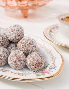 Cashew + Cinnamon balls | Fortune Flea