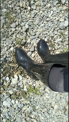 Tap Shoes, Dance Shoes, Black Rubber, Rain Boots, Fashion, Iphone Wallpapers, Boots, Cavalier Boots, Natural Rubber