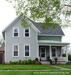 Simple Farmhouse in Sycamore, Illinois