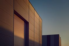 Industrial Boundaries | Abduzeedo Design Inspiration