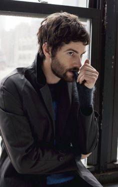 Jim Sturgess : the perfect combination of cute and incredibly hot.