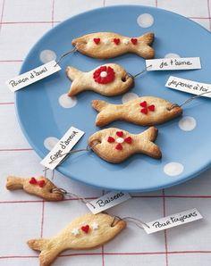 Des biscuits sablés en forme de poissons / Little fish for Easter http://www.marieclaireidees.com/,un-lapin-en-tissus-japonais,2610153,2032.asp