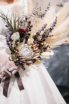 Dried Flowers Bouquet Wedding Frame Ideas Resin For Preserving Flowers – orangetal Anemone Wedding, Flower Bouquet Wedding, Floral Wedding, Bridal Bouquets, Boho Wedding, Fall Wedding, Destination Wedding, Wedding Planning, Dream Wedding