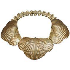 Pre-owned Magnificent Gilt Metal Scallop Shell Choker Necklace. c 1960 (11.675 DKK) ❤ liked on Polyvore