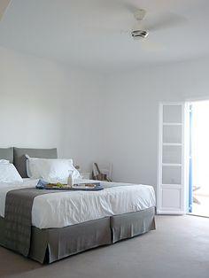 Enhancing the Antiparos Experience on Beach House Antiparos Greek Islands, Greece Travel, Mykonos, Travel Guides, Beach House, Bed, Inspiration, Furniture, Home Decor