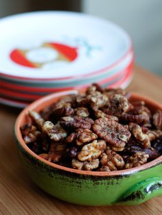 Gingerbread Spiced Nuts are the perfect holiday snack. Serve them all for your parties and gatherings all season long! Holiday Recipes, Winter Recipes, Christmas Recipes, Nut Recipes, Snack Recipes, Candy Recipes, My Burger, Spiced Nuts, Plate