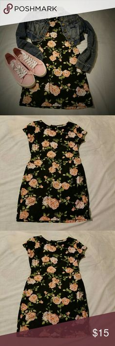 FOREVER21 FLORAL MINI Dress it up or make it casual  Black floral mini  NWOT Forever 21 Dresses Mini