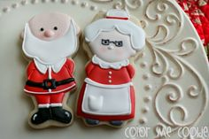 Boy and Girl Elf Cookies with Color Me Cookie {Guest Post}