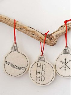 The childlike monochrome look of these upcycle handmade felt Christmas ornaments makes them look fun and unique. They are so simple to make. christmas baubles Unique Easy To Make Handmade Felt Christmas Ornaments Clay Christmas Decorations, Felt Christmas Ornaments, Homemade Decorations, Easy Felt Crafts, Xmas Crafts, Homemade Christmas, Christmas Diy, Christmas Signs, Deco Noel Nature