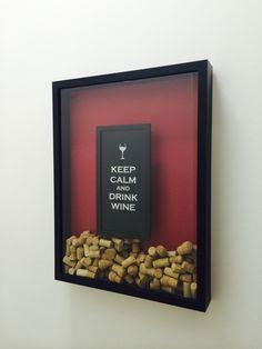 Quadro Para Rolhas Keep Calm And Drink Wine - 38x53cm R$ 300,00 no MercadoLivre - Os melhores vinhos são os que bebem com amigos