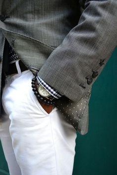White Chinos by Bonobos White pants Skinny belt Bracelet Sharp Dressed Man, Well Dressed Men, Gentleman Mode, Gentleman Style, Gentleman Fashion, White Chinos, White Pants, White Denim, Fashion Moda