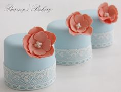 Nice and simple petite cakes.