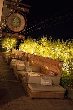 New outdoor seating restaurant beer garden Ideas Outdoor Restaurant Design, Deco Restaurant, Rustic Restaurant, Cafe Shop Design, Restaurant Interior Design, Bistro Interior, Outdoor Cafe, Outdoor Seating, Outdoor Santa