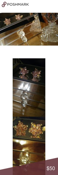 Vintage Laguna Pink Crystal Flower Earrings Gorgeous and so sparkly. Rhinestone center details. Screw on. Signed Laguna. Vintage Jewelry Earrings