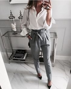 Elegant Work Outfits Ideas For Every Woman Wear39