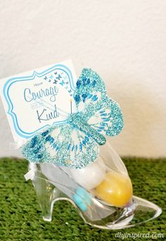 Cinderella Movie Party Favors with Printables. I just may have to have a Cinderella party! Cinderella Sweet 16, Cinderella Movie, Cinderella Birthday, Cinderella Party Favors, Princesse Party, Movie Party Favors, Sweet 16 Parties, White Parties, Disney Princess Party