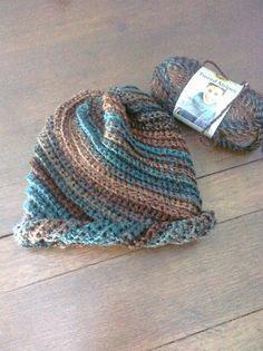 Give it a Whirl Hat Crochet pattern by Adrienne Lash | Knitting Patterns | LoveKnitting