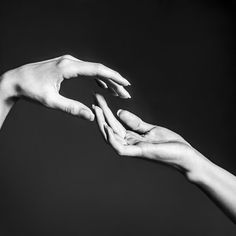 Новости hand art, draw on photos, hand photography, hand reference, jesus. Hand Reference, Figure Reference, Anatomy Reference, Drawing Reference, Fantasy Warrior, William Singe, Hand Fotografie, Fantasy Sketch, Hand Pose