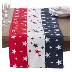 SARO LIFESTYLE Red White & Blue of July Cotton Table Runner, x Multicolor x Oblong Hand wash only Prepare a patriotic table with stars and stripes in classic red, White, and blue Table Runner And Placemats, Quilted Table Runner Patterns, Patchwork Table Runner, Quilted Table Runners Christmas, Patriotic Quilts, Patriotic Crafts, Patriotic Room, Americana Crafts, Patriotic Wreath