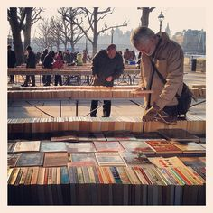 Second Hand Book Market at Southbank London (by Shi Yin Photography)