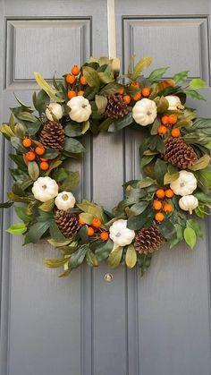 Autumn Wreaths For Front Door, Diy Fall Wreath, Wreath Crafts, Fall Wreaths, Christmas Wreaths, Christmas Crafts, Wreaths For Spring, Ribbon Wreaths, Floral Wreaths