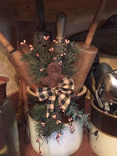 Projects for terri Christmas Porch, Prim Christmas, Winter Christmas, Vintage Christmas, Christmas Holidays, Christmas Wreaths, Christmas Kitchen, Primitive Christmas Decorating, Primitive Country Christmas