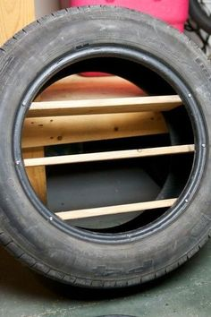 Easy DIY Toy Shelves Using a Tire - Bastelideen - - Shelves recipes - Spielzeug Car Themed Bedrooms, Car Bedroom, Diy Simple, Easy Diy, Tyres Recycle, Upcycle, Tire Craft, Tire Furniture, Toy Shelves