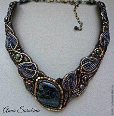 Stunning beadwork, love the focal stone!