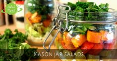 Are you looking for tasty, portable lunch ideas? mason jar salads are the way to go for healthy lunches. instead of buying a ready made salad from the Salad Recipes Video, Healthy Recipe Videos, Healthy Salad Recipes, Healthy Meals For Two, Healthy Foods To Eat, Healthy Snacks, Healthy Appetizers, Quinoa, Homemade Crunchwrap Supreme