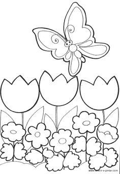 Borboleta a voar sobre flores de um Jardim