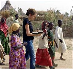 UNHCR - Jolie laments children's plight in Darfur, calls for more ...