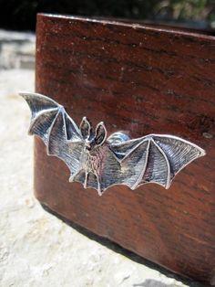 Manopola del cassetto di pipistrello in metallo argento (MK120)
